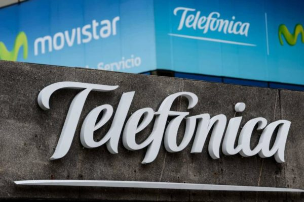 Doble corte de fibra óptica afecta servicios de Movistar en occidente del país