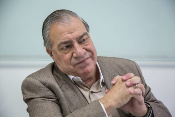 Socías López: Gobierno estaría «dividido» sobre elevar salario mínimo a US$30 o los bonos a Bs.80 millones