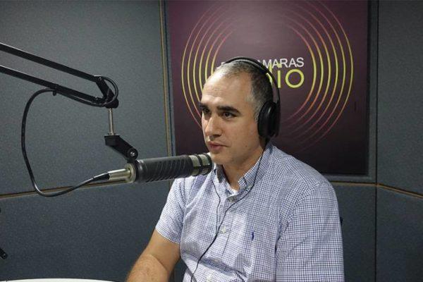 Luis Oliveros: 'Es positivo' lo que han hecho comercios para dar vuelto en divisas