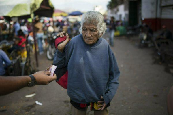 Pedir para vivir: otra fotografía de la crisis venezolana