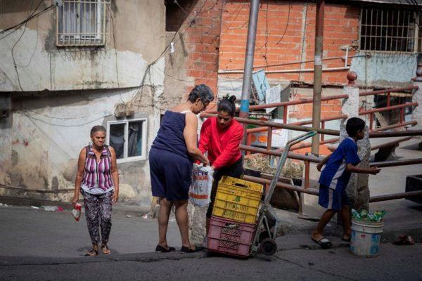 Como en la época de la colonia: venezolanos sortean la crisis haciendo trueques