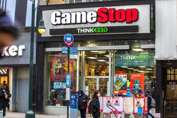 GameStop cierra un trimestre frenético en bolsa con resultados sin euforia