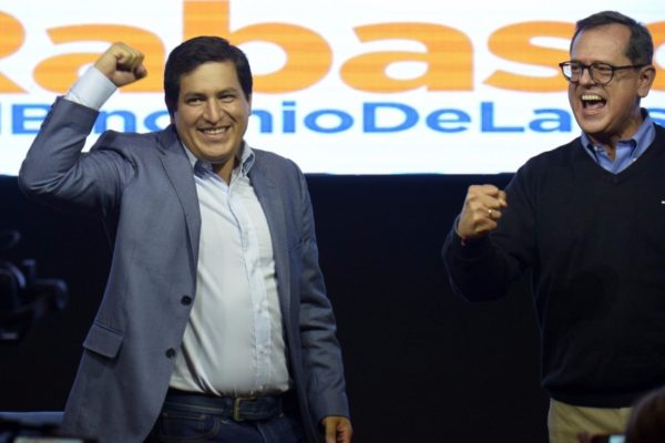 Correísta Arauz se proclamó ganador en Ecuador sin esperar resultados oficiales