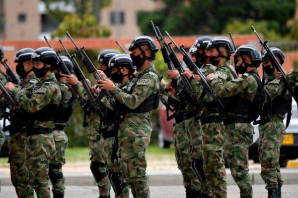 Colombia lanza fuerza de élite de 7.000 militares para luchar contra rebeldes y narcos