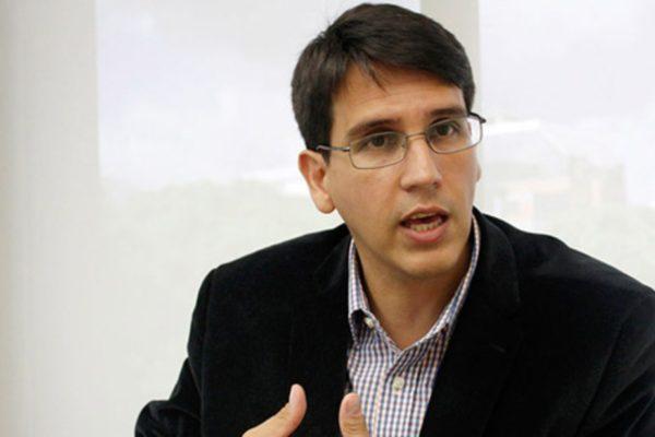 Henkel García: Nuevos billetes llegan tarde, porque la escasez de efectivo es notoria