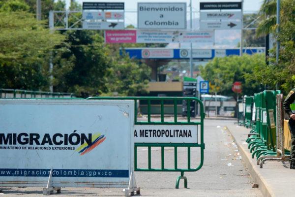 Colombia extiende el cierre de los pasos fronterizos hasta el 1 de junio