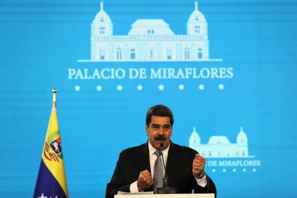 Maduro crea comisión para 'revolución judicial' presidida por Diosdado Cabello