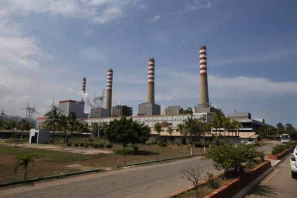 Incendio paraliza Unidad V de Planta Centro y resta 200 MV al crítico sistema eléctrico nacional