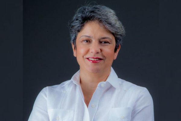 Tamara Herrera propone estabilización y reconversión para recuperar la economía