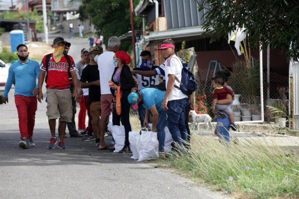 Cerca de 700 venezolanos regresarán desde Trinidad y Tobago por desempleo
