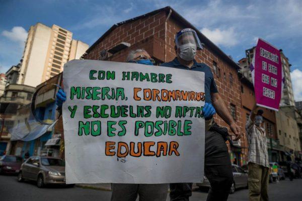 Oposición venezolana critica el plan de empezar clases presenciales sin medidas