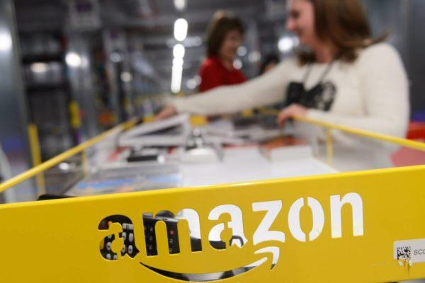 Empleados de Amazon votan si quieren crear su primer sindicato en EE.UU