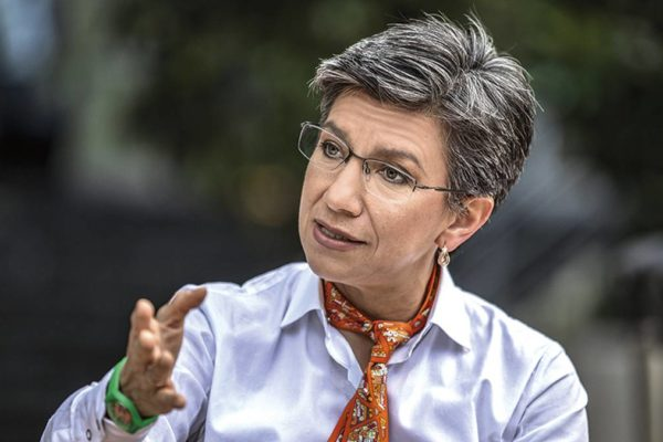 Alcaldesa de Bogotá anuncia creación de comando policial para perseguir a migrantes ' delincuentes'