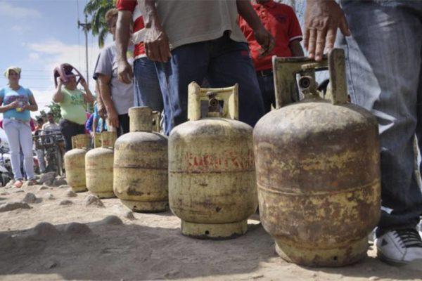 Denuncia: producción de gas no supera los 15.000 barriles por día