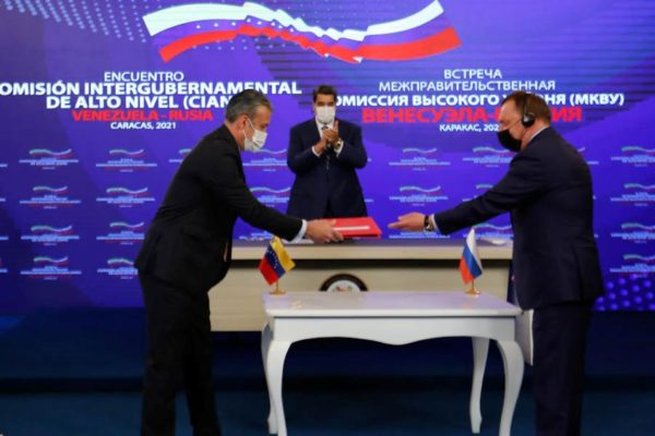 12 acuerdos: Maduro autoriza pruebas con segunda vacuna rusa antiCOVID-19
