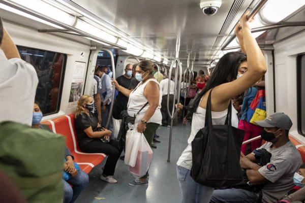Metro de Caracas y transporte superficial están restringidos y rutas interurbanas están suspendidas