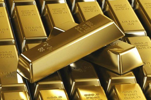 Precios del oro inician la semana con alzas ante esperanzas por bajas tasas de interés