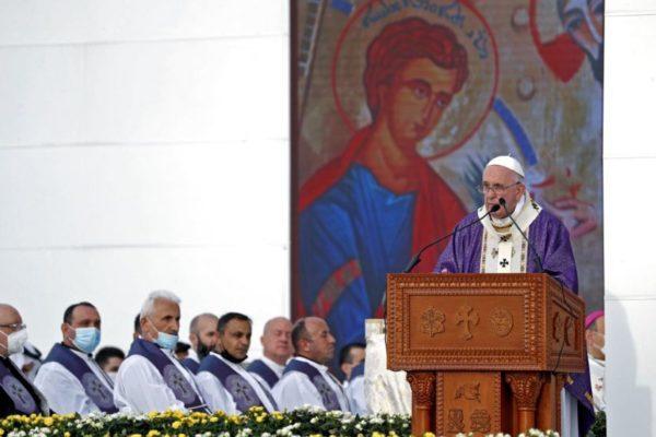 Papa Francisco retó al yihadismo con multitudinaria misa en norte de Irak