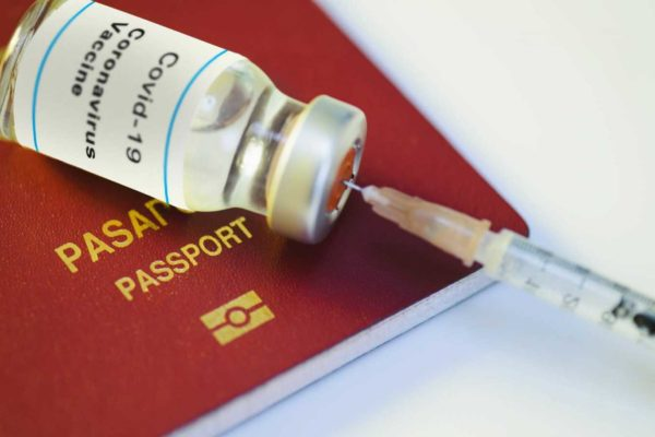 Cuatro claves sobre los pasaportes sanitarios o de vacunación