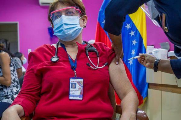 Estiman que Venezuela puede pagar las vacunas contra la Covid-19 para todos los venezolanos