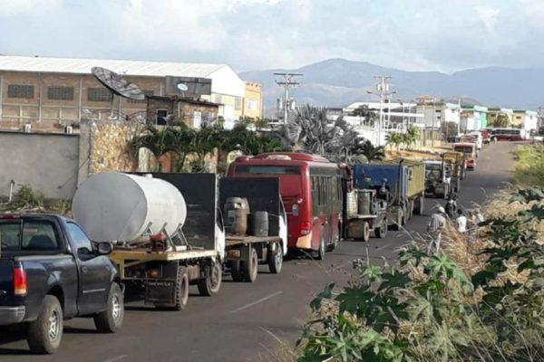 «El Zulia se paraliza»: CCM pide que se autorice a empresas privadas a importar gasolina y diésel