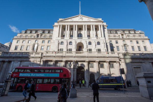Banco de Inglaterra: recuperación poscovid debe abordar oferta y demanda
