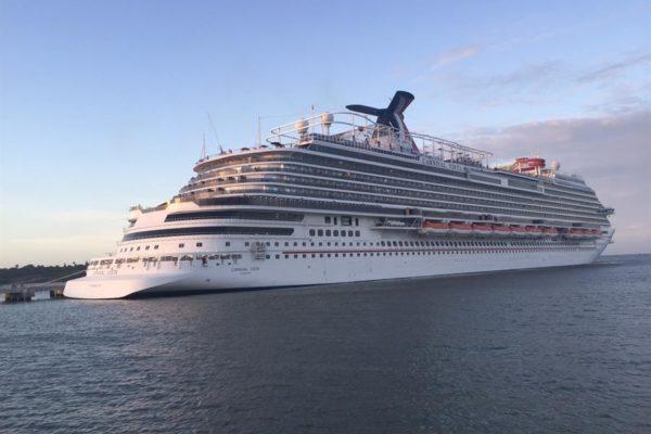Primer crucero en 15 meses zarpa este sábado desde un puerto de EEUU