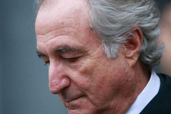 El rey del esquema Ponzi Bernie Madoff murió en prisión mientras cumplía condena a 150 años