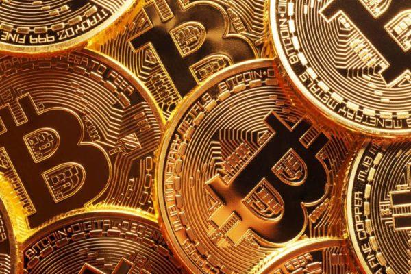 Bitcoin amaneció este lunes #23Ago sobre los US$50.000