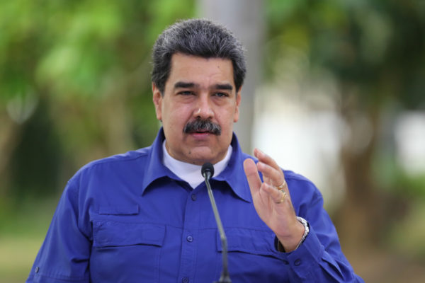 Maduro propone plan de 60 días para regularizar suministro de diésel