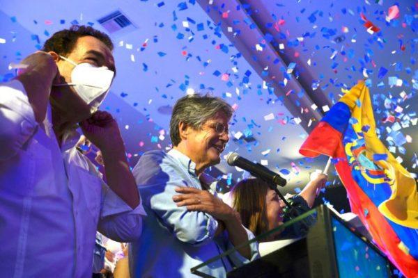 Exbanquero, conservador y aliado de Guaidó: Guillemo Lasso derrotó al ´correísmo´ en Ecuador