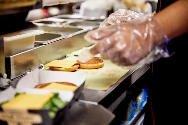 McPollo ha sido la hamburguesa más demandada en Venezuela desde abril de 2020