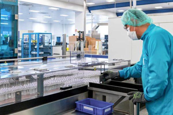 Acceso a vacunas generaría un crecimiento de 2% en el comercio mundial