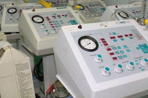 Lentitud en gestión de permisos sanitarios dificulta importación de equipos médicos