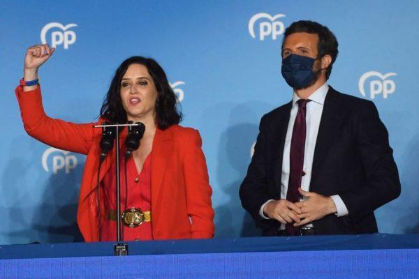 Derechista Isabel Díaz Ayuso arrasó en Madrid y retiró de la política a Pablo Iglesias