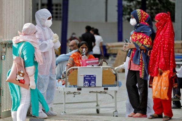 India destina 6.700 millones de dólares para el sector sanitario ante segunda ola de covid-19