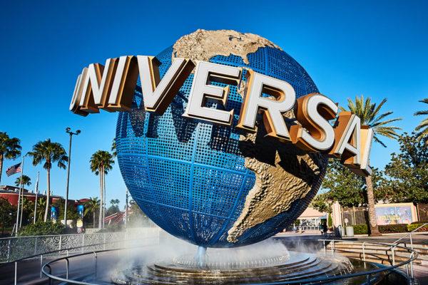 Parque de Universal en Orlando aumenta el salario mínimo a US$15 la hora