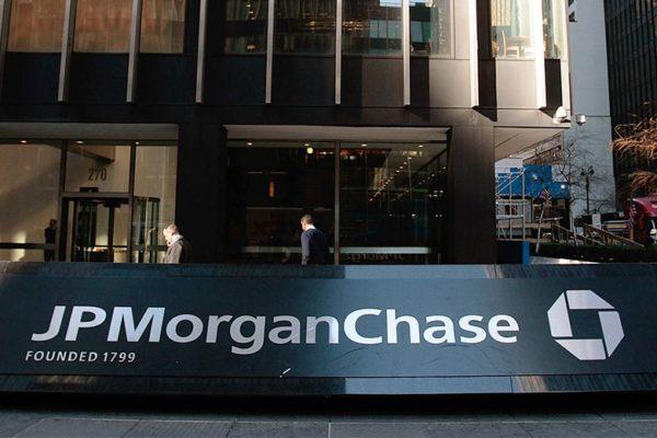 JPMorgan Chase fija metas de reducción de emisiones para sus clientes