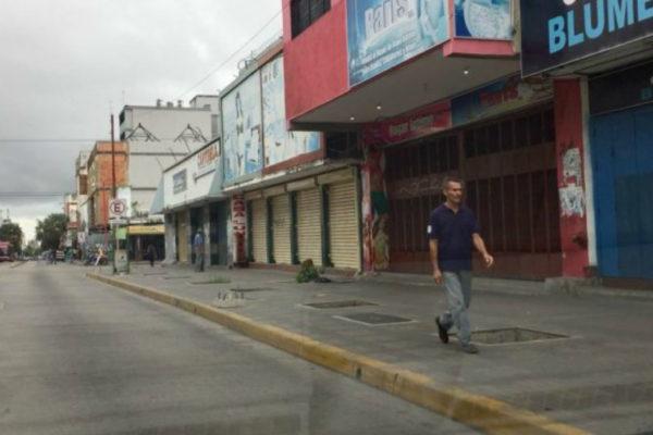 Falta de combustible genera ausentismo de personal en comercios de Valencia