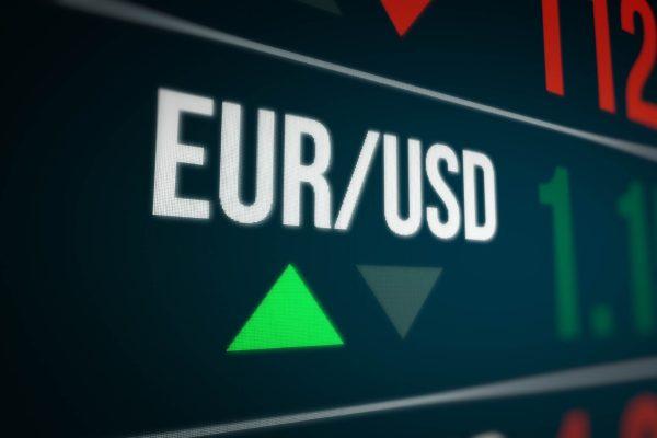 TeleTrade: El EURUSD puede continuar a la baja presionado por la fortaleza del dólar