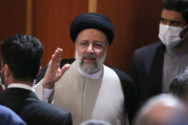 El ultraconservador presidente electo de Irán Ebrahim Raisi no quiere reunirse con Biden ni negociará 'por placer'
