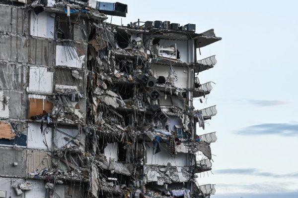 Cuatro venezolanos entre 29 latinoamericanos siguen desaparecidos en edificio siniestrado en Miami Beach