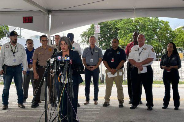 Alcaldesa de Miami-Dade firmó autorización para demoler el resto del edificio colapsado en Miami