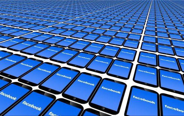 'Lunes negro' para Facebook en Wall Street por caída global y filtraciones sobre daños a usuarios