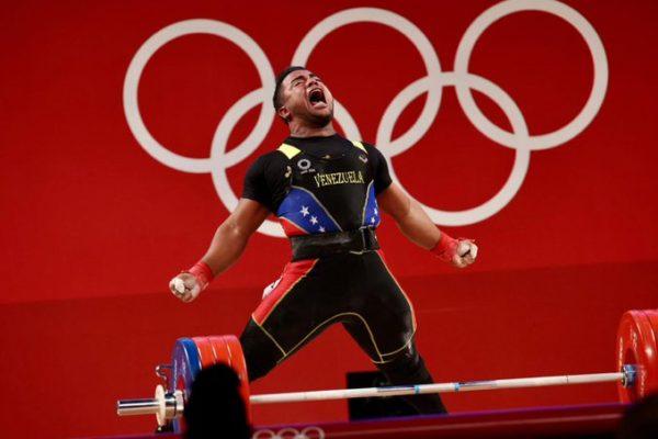 En halterofilia: Keydomar Vallenilla ganó la segunda medalla de plata para Venezuela en Tokio 2020