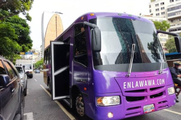 La Wawa: un nuevo modelo de transporte público funciona en Caracas