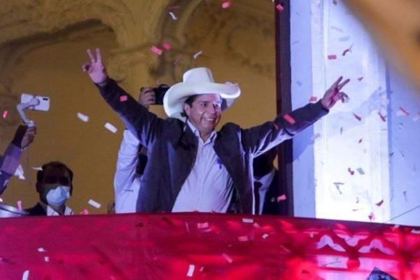 Pedro Castillo gobernará a Perú: un radical que apoya a Maduro pero dice que no es chavista