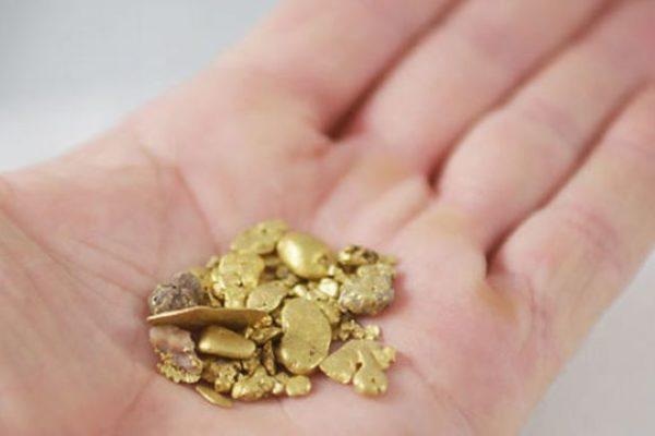 El oro domina como efectivo en los comercios del sur del país