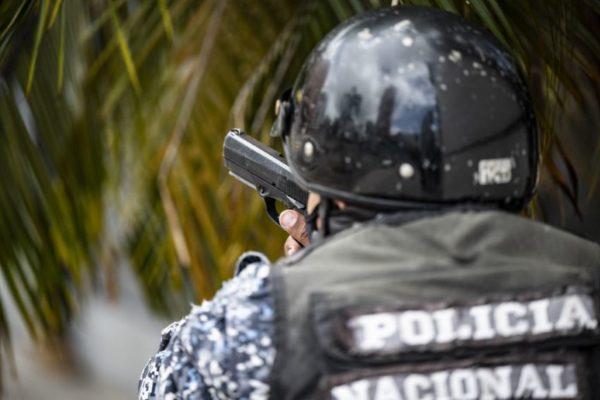 Mientras el gobierno vincula a las bandas con la 'derecha' el terror confina a comunidades en Caracas