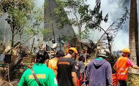 Al menos 45 muertos deja accidente de avión militar en Filipinas